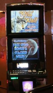 Wolf-themed slot machine